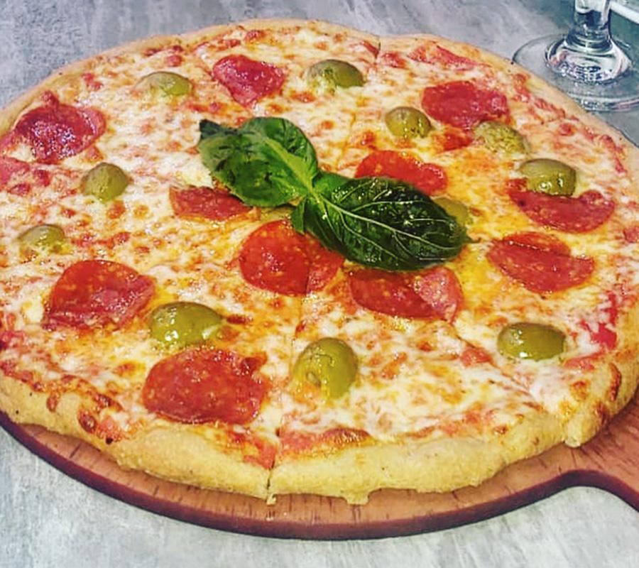 Piazza Italia: Keto Pizza