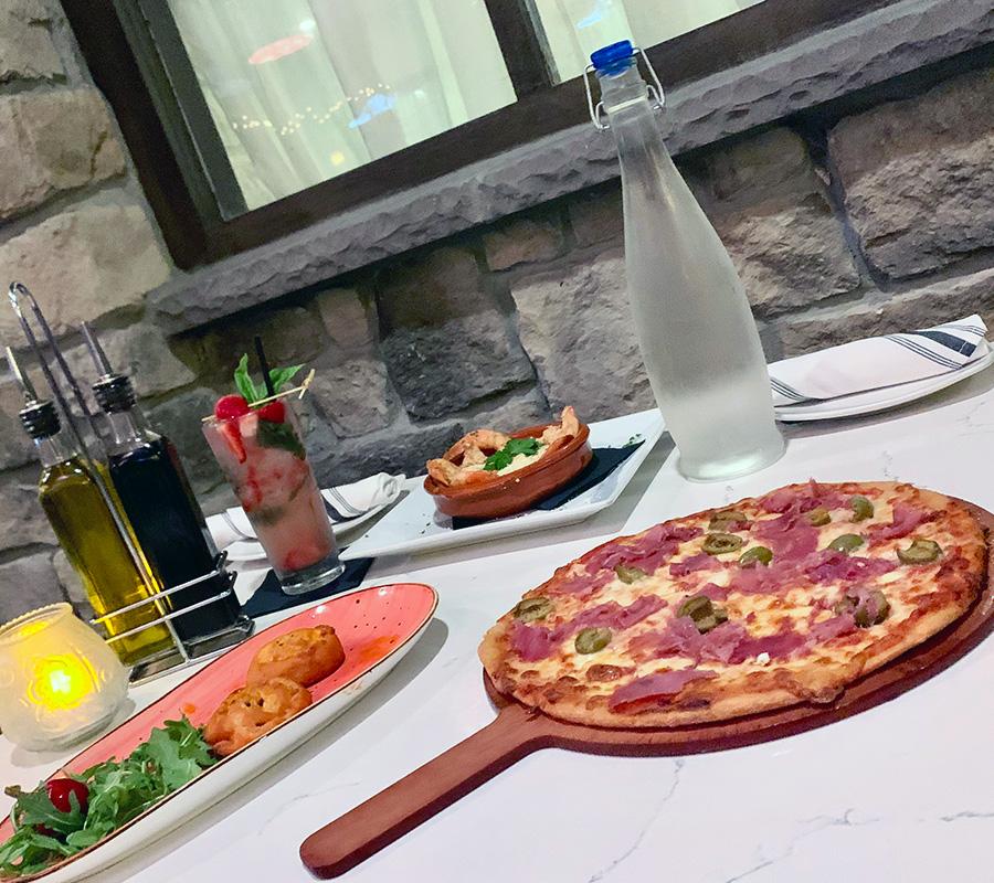 Piazza Italia: Keto table